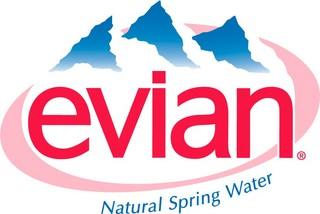 「evian(エビアン)」ロゴマーク
